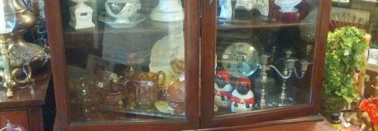 Antiques On Gladstone